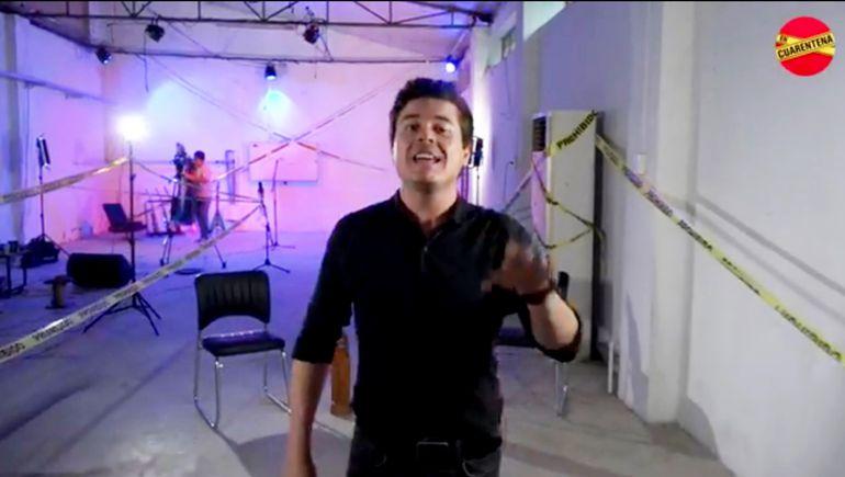 """César Villalba, vocalista del grupo Semilla Guaraní, conduce """"En Cuarentena"""". El programa especial, emitido por internet, se realiza todos los jueves y sábados, hasta el 18 de abril."""