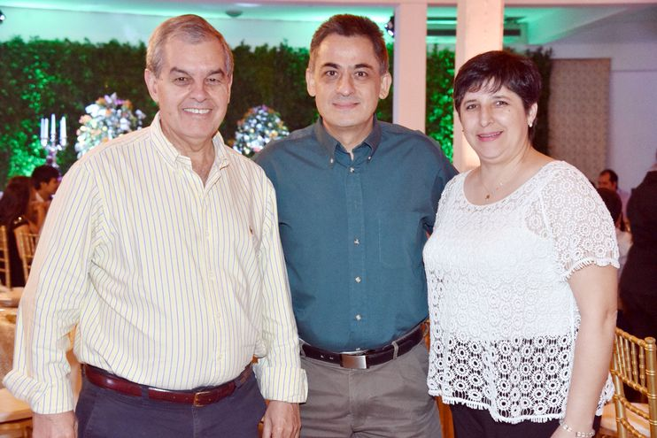 Manuel Riera, Marcelo y Pilar Bruzonic.