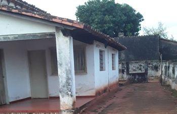 La mujer que fue hallada muerta residía sola en la vivienda.