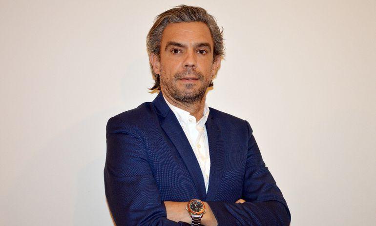 Christian Costa, CFO de Personal, destaca los logros de la empresa telefónica.