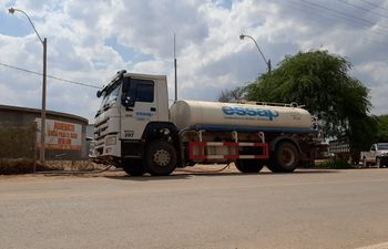 La ESSAP administra la distribución de agua en el Chaco Central, pero la terminación y mantenimiento de la obra está a cargo del MOPC.