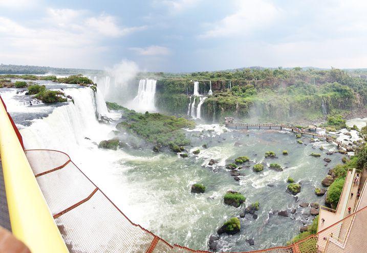 A pesar de tener 50% menos de caudal, las cataratas mantienen su majestuosidad.