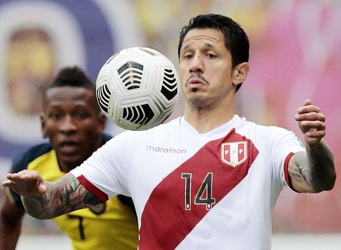 Gianluca Lapadula, la figura que emerge en la selección peruana.