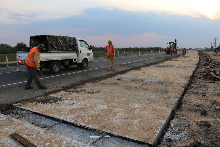 Reemplazan bloque de cemento sobre  ruta  Pilar – San Ignacio
