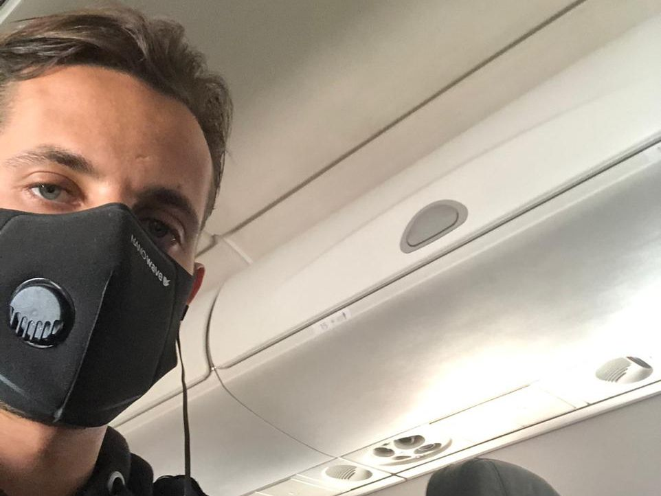 Brad Norman durante el vuelo de Washington a Miami, Estados Unidos.