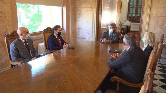 Reunión con el presidente de la República, Mario Abdo Benítez, sobre industralización del cannabis.