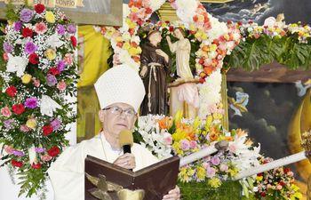 el-obispo-de-la-diocesis-de-san-lorenzo-monsenor-joaquin-robledo-presidio-la-misa-en-honor-a-san-antonio--195145000000-1842244.jpg