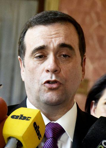 Juan Ángel Delgadillo Franco juró ayer como nuevo embajador paraguayo ante el Gobierno de Brasil.