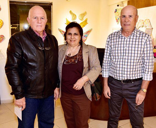 Carlos Romero, Ana de Romero y José Florencio.