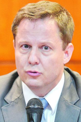 Alberto Martínez Simón, ministro de la Corte.