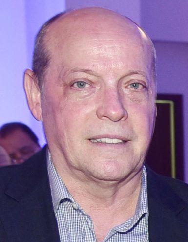César Diesel Junghanns   (63), egresado doctor en   Derecho por la Universidad   Nacional de Pilar, Cum   Laude.