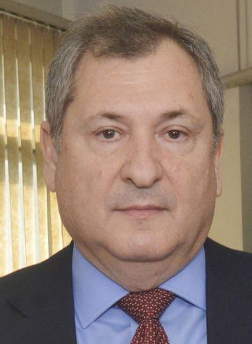 Eugenio Jiménez Rolón, presidente  la Corte. Integra la Sala Constitucional para analizar la acción que está contra la transparencia.