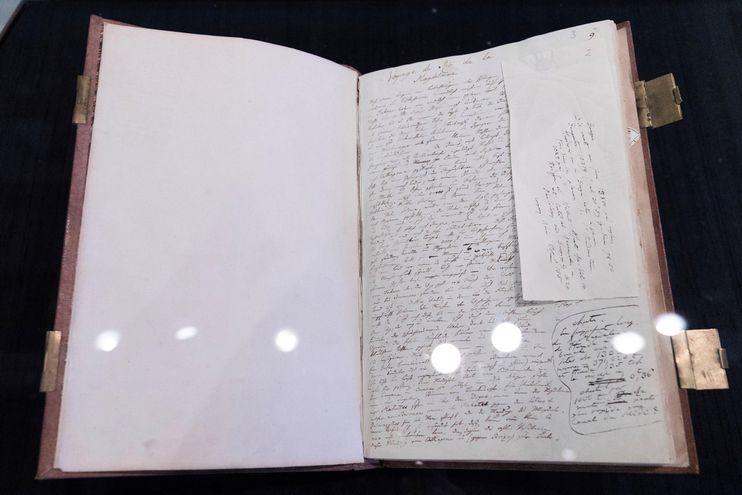 'Diary VII a/b' del naturalista y explorador Alexander von Humboldt (1769-1859) es exhibidio en la Biblioteca Estatal de Berlín, en Alemania. que muestra los nueve diarios que escribió durante sus viajes de investigación en América del Sur y Central.