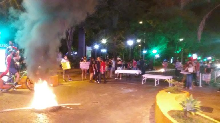 Manifestación de autoconvocados en Encarnación.