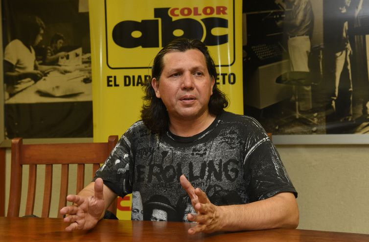 El locutor y cantante Raúl González ofrecerá hoy un recital en el CCPA.