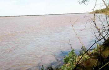 El caudal del río Pilcomayo presenta una atípica crecida.