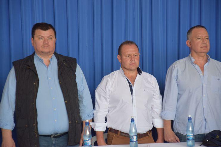 Roque Báez (en el medio), con Dionisio Amarilla y Fernando Silva Facetti.