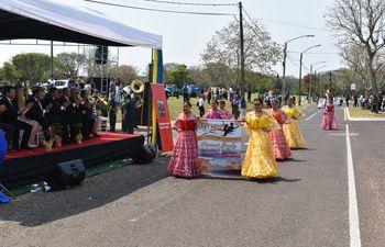 El desfile fue por los 120 años de fundación de Ayolas.