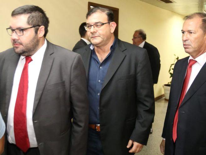 """Diputado Tomás Fidelino Rivas (ANR -  Honor Colorado), acusado de estafa por el caso de sus """"caseros de oro""""."""