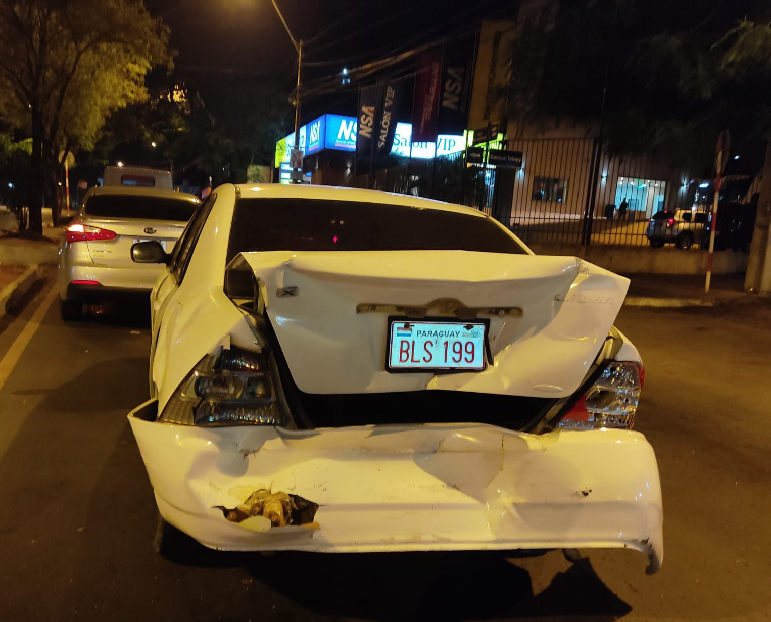 vehículo afectado por el triple choque