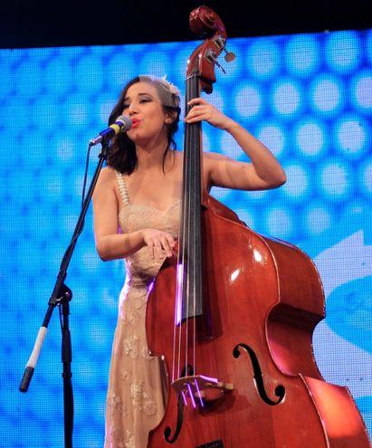 Natalia Mendoza es la cantante del grupo.