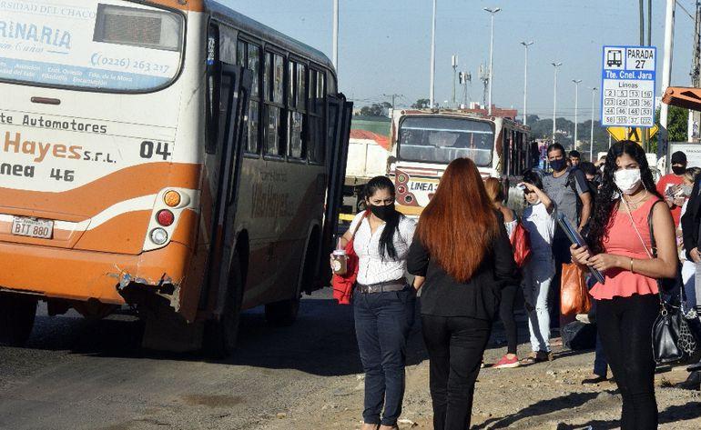 Hay una queja generalizada de la ciudadanía por la falta de buses por la regulada de las empresas.