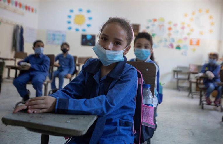 """Se estima que unos 100.000 niños serán los beneficiados de la vacuna anticovid el Día """"A""""."""