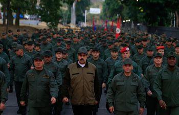 nicolas-maduro-militares-venezuela-112310000000-1829105.JPG