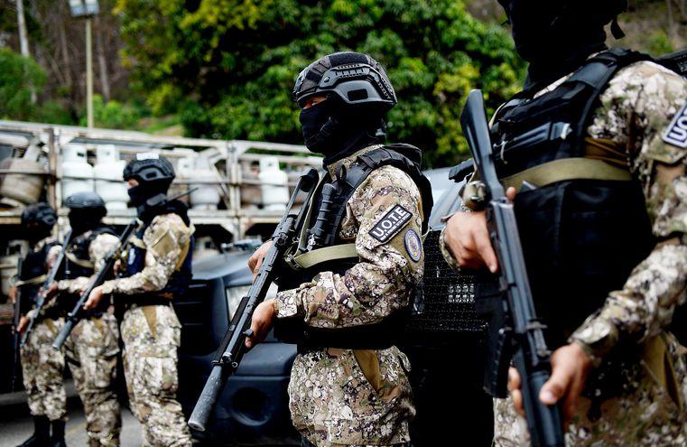 Miembros de la Unidad de Operaciones Tácticas Especiales, de las Fuerzas de Acciones Especiales.  Las fuerzas policiales del régimen chavista son responsables de miles de ejecuciones extrajudiciales, así como de desapariciones y torturas.