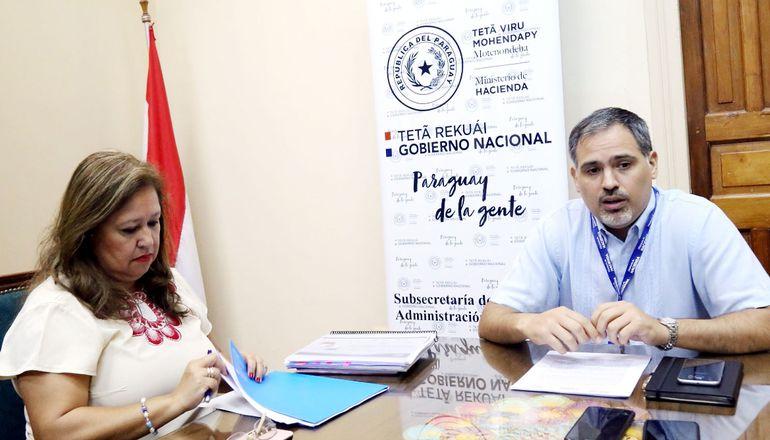 La directora de Presupuesto, Teodora Recalde Spinzi, y el director del Tesoro,  Marco Elizeche, dieron ayer más detalles acerca del plan financiero presupuestario que Ejecutivo puso en vigencia.