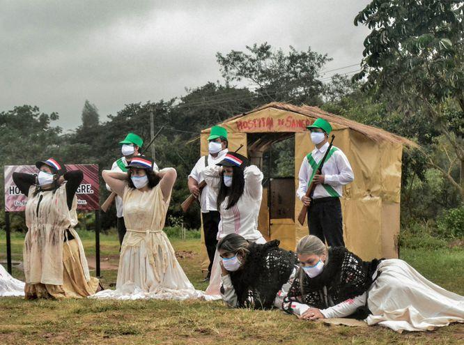 Además cientos de niños, varias mujeres fueron víctimas de la cruenta batalla.