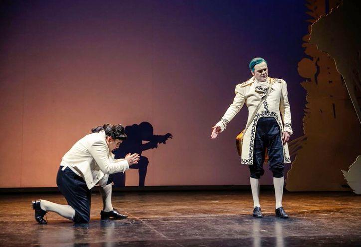 """Efectos de proyección y música en vivo ofrece la obra """"El hombre que perdió su sombra"""", disponible a través de YouTube."""