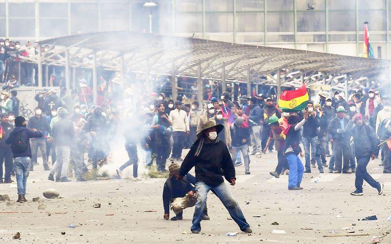 Partidarios del expresidente Evo Morales protagonizaron algunos incidentes en la ciudad de La Paz, y aun se vive la lógica tensión en una Bolivia que busca retomar la normalidad.