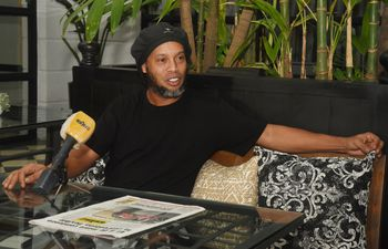 Ronaldinho está actualmente con arresto domiciliario en el hotel Palma Róga, de nuestra capital, desde el 7 de abril de 2020.