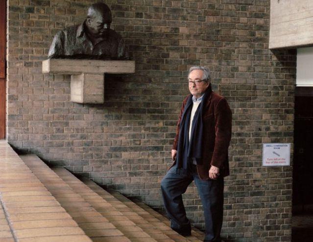 George Steiner (Neuilly-sur-Seine, 23 de abril de 1929-Cambridge, Reino Unido, 3 de febrero de 2020), fotografiado por Peter Marlow. El profesor Steiner, fallecido esta semana, es considerado un autor fundamental en el campo de la crítica y la teoría literaria.