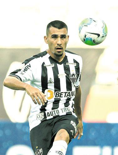 Júnior Osmar Ignacio Alonso Mujica (28 años), exazulgrana en el Mineiro.