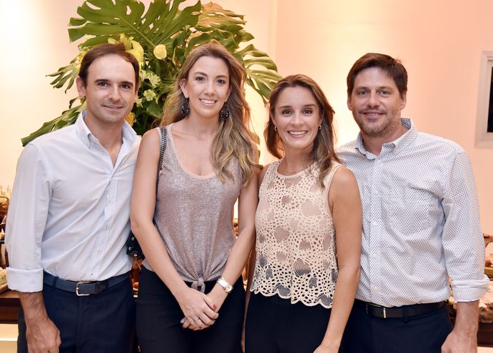 Fabrizio Zanotti, Lucía Galanti, Julia Galanti y Felipe Gómez.