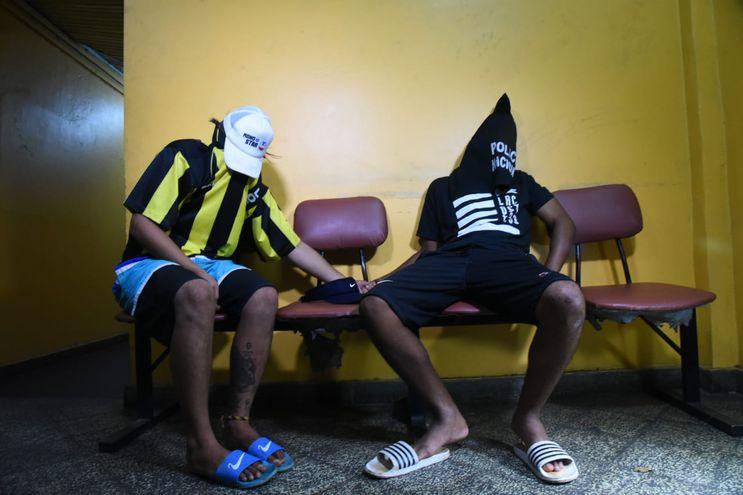 Carlos Elías Bruno Burgos (25) y Pablo Caballero (25), detenidos.