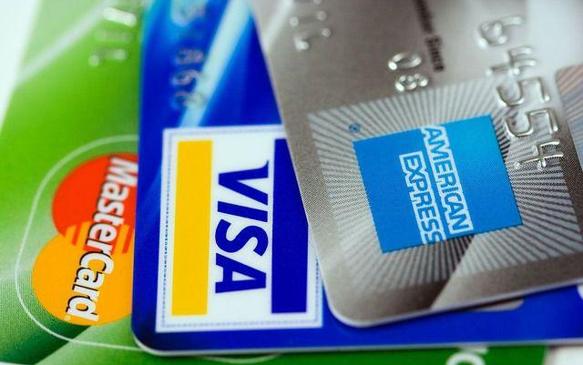 Las tarjetas de crédito son instrumentos que otorgan un crédito a la persona.