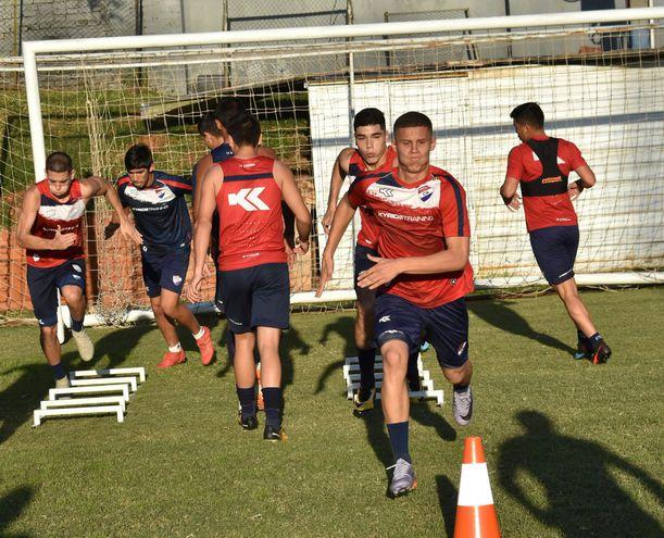 Nacional viene entrenando de manera intensa pensando en su debut.