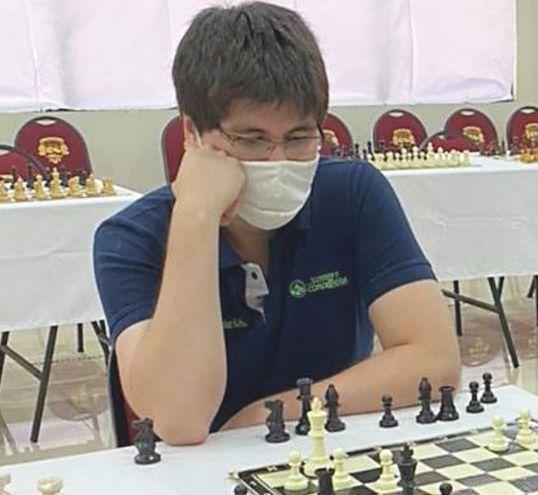 Augusto González ganador de un torneo online.