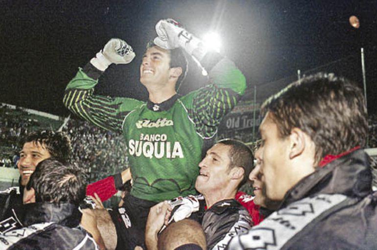 Colón de Santa Fe, Olimpia, Copa Libertadores.