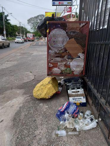 Basura que se sigue acumulando en este basurero