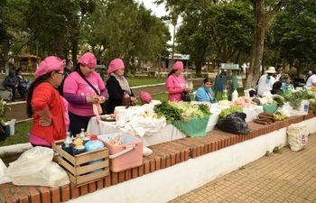 Mujeres de varios distritos participaron de la feria en San Ignacio.