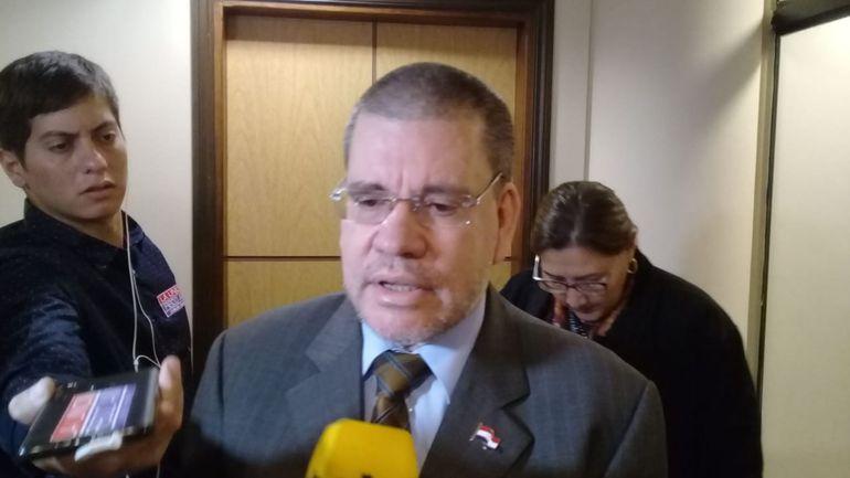 """El senador Antonio Barrios afirmó que la candidatura de Horacio Cartes para presidir la Junta de Gobierno es solo un """"deseo"""" del senador Juan Darío Monges."""