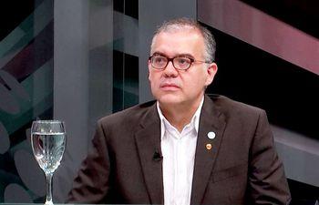 Se habla de varias irregularidades cometidas por Ullón.