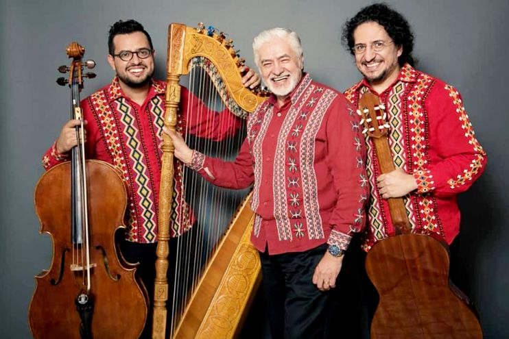 Rodrigo, Celso Duarte González y Juan José Duarte actuarán hoy en La Cafebrería,  ofreciendo un variado repertorio de música paraguaya y latinoamericana.