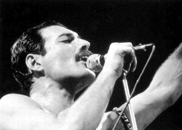 En el día del cumpleaños de Freddie Mercury , Universal Music Group ha lanzado este jueves un emotivo nuevo videoclip que acompaña al tema del Sida.  El exvocalista de Queen había nacido el 5 de septiembre de 1946, en Stone Town, Tanzania.