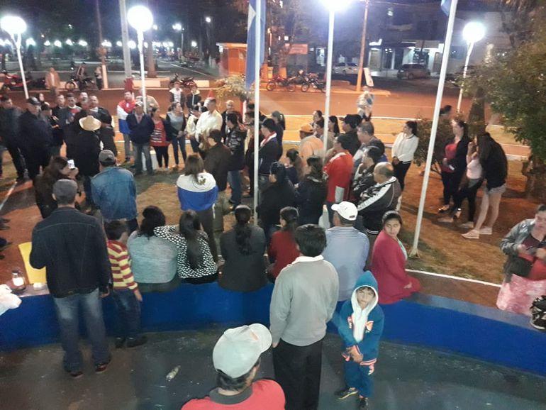 Reunión de manifestantes en Salto del Guairá.