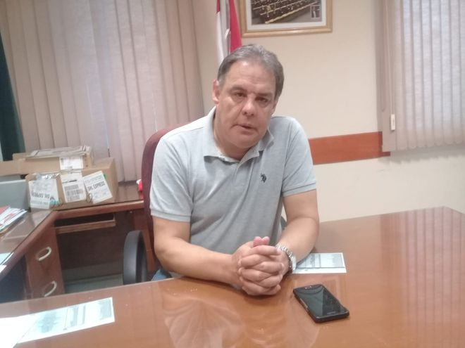 Senador Hugo Richer.
